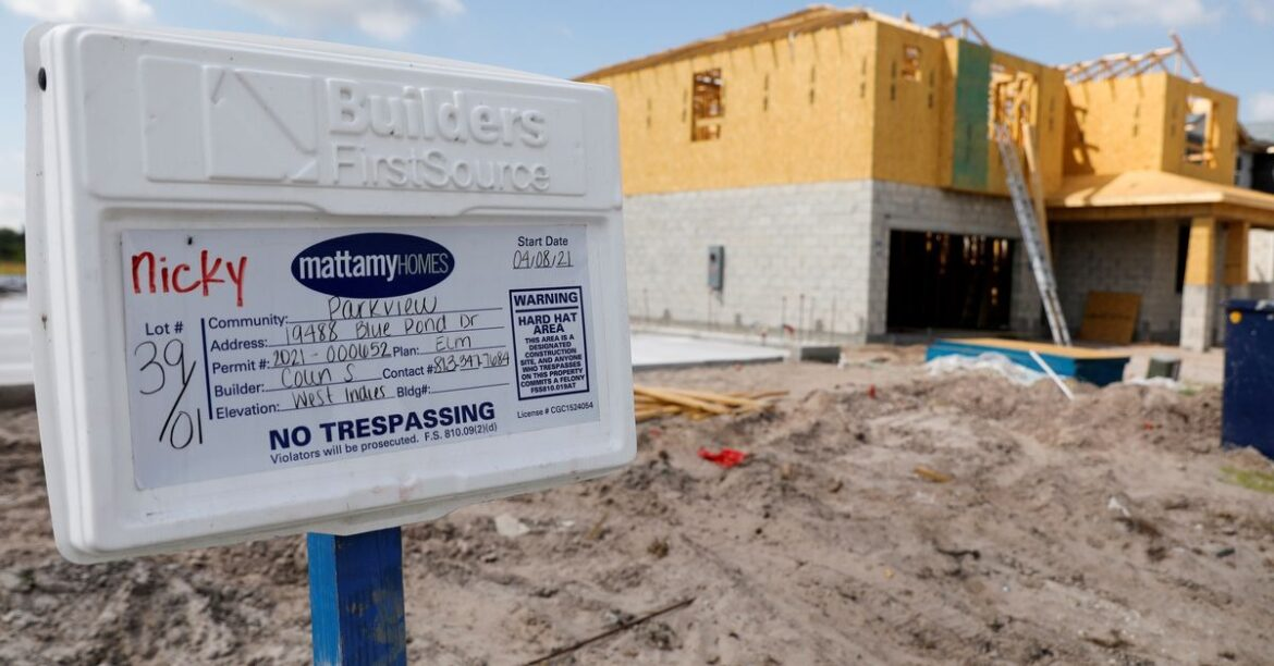U.S. homebuilder confidence falls to 11-month low in July